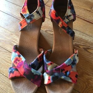 Toms ankle strap cork wedge